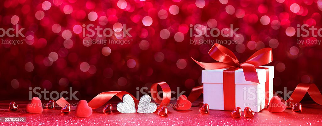 Valentines Gift - Giftbox With Hearts And Ribbon – Foto