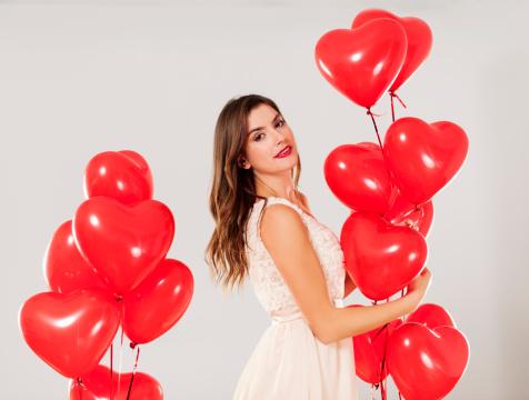 579443552 istock photo Valentine's girl 163218576