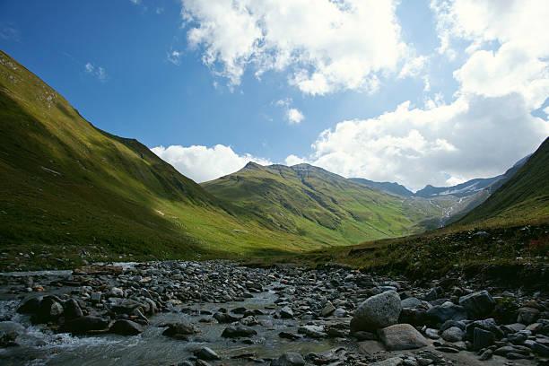 Valley Etage mit River Furka Pass, der Schweiz, Schweizer Alpen – Foto