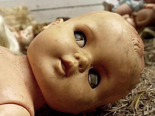 valle de las muñecas - muñeca bisque fotografías e imágenes de stock