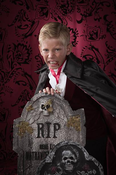 Vampir Schminken Kinder Bilder Und Stockfotos Istock