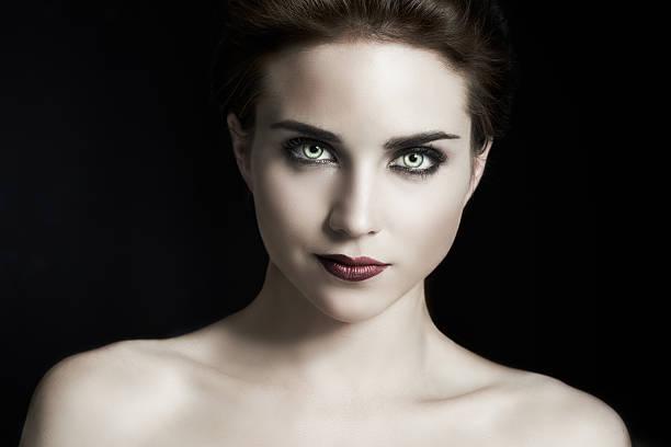 vampire goth - vampire femme photos et images de collection