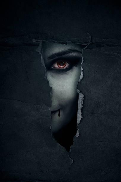 vampire - vampire femme photos et images de collection