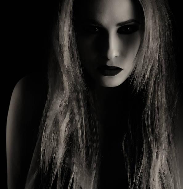 vampir frau - teufel schminken stock-fotos und bilder