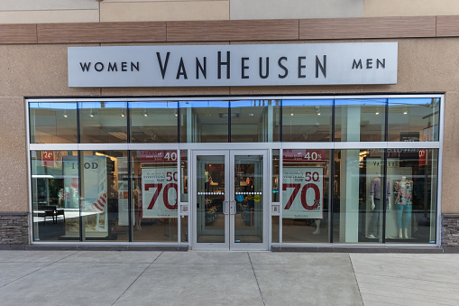 Top 10 Best Clothing Brand in India in 2020 : Van Heusen