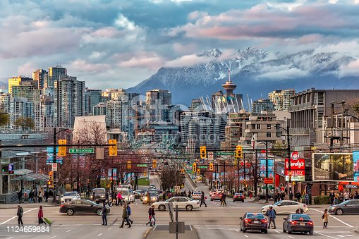 istock Vancouver City under the mountain 1124659884