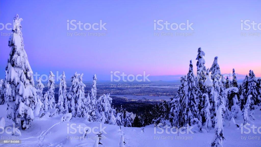 Skyline von Vancouver im Winter von Cypress Mountain Ski-Abfahrt. – Foto
