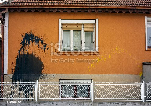 1091817198 istock photo Vandalism 1211866183