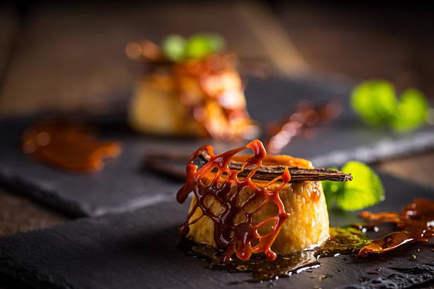 バニラフランデザート - フランス料理 ストックフォトと画像