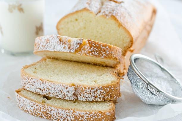 Fatias de bolo de baunilha - foto de acervo