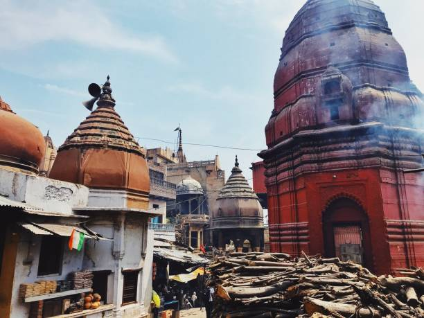 Varanasi, India Uno dei ghat di varanasi, in India dashashwamedh ghat stock pictures, royalty-free photos & images