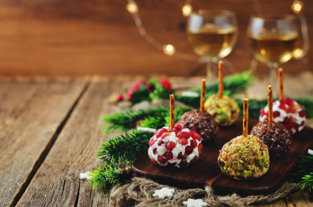 Variation de chèvre fromage boules apéro avec des graines de lin, de Grenade et de pistache - Photo