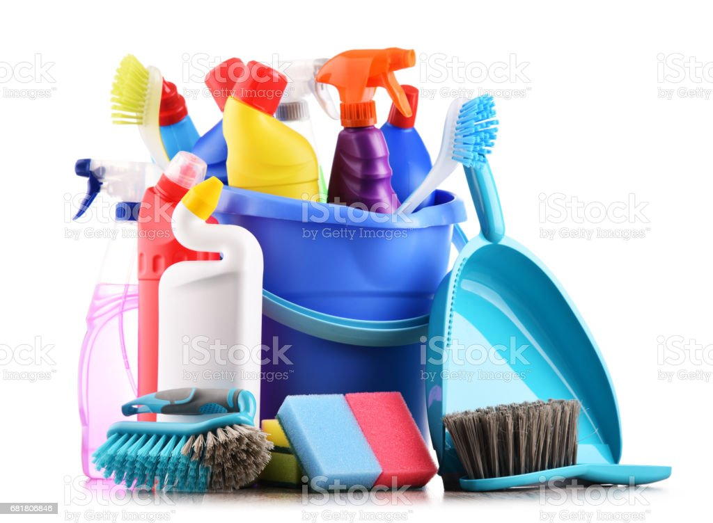Variety of detergent bottles and chemical cleaning supplies – Foto