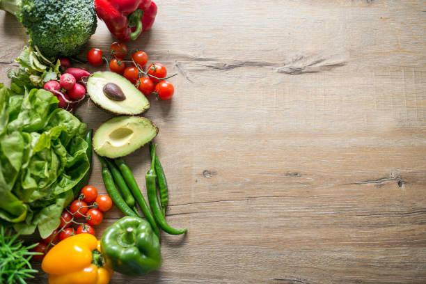 Variété de légumes sains sur table - Photo