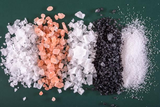 variedad de sal - sales fotografías e imágenes de stock