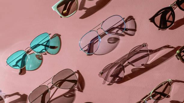 Variedade de óculos de sol - foto de acervo