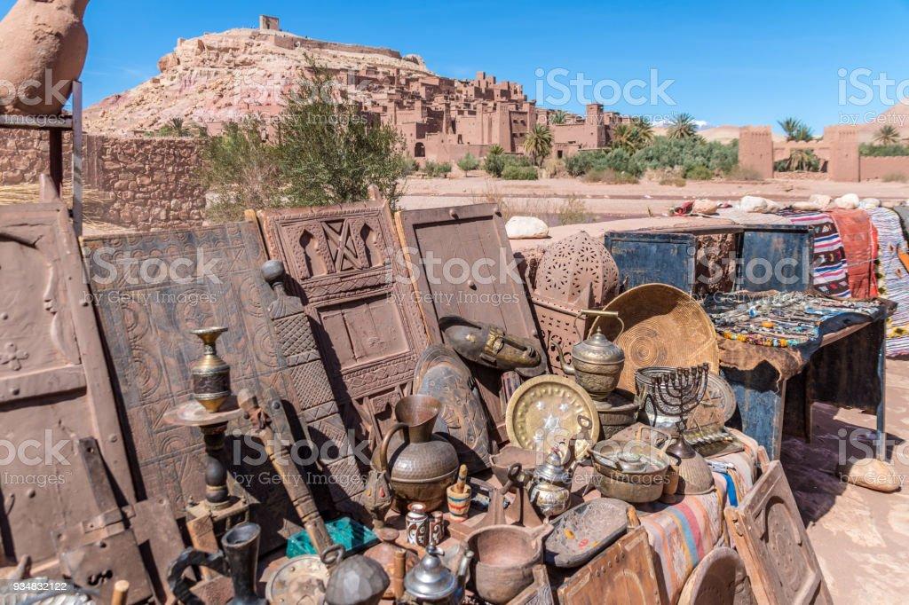모로코, 아프리카에서에서 고도계 Benhaddou에서 판매에 대 한 다양 한 골동품 - 로열티 프리 0명 스톡 사진