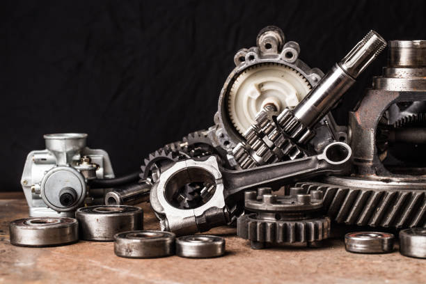 검은 배경에 다양 한 자동차 부품 및 액세서리, - 예비 부품 뉴스 사진 이미지