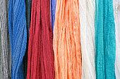 ハングしたショールの様々 な色