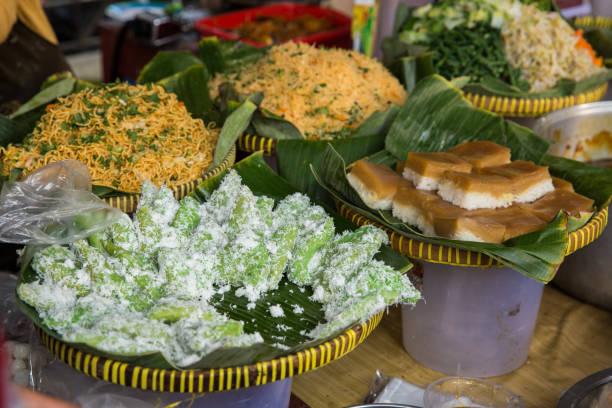 Verschiedene indonesische traditionelle Speisen – Foto