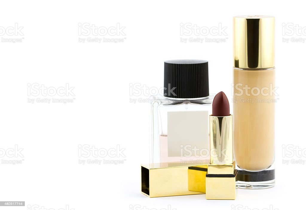 Verschiedene Luxus Kosmetik isoliert auf weißem Hintergrund – Foto