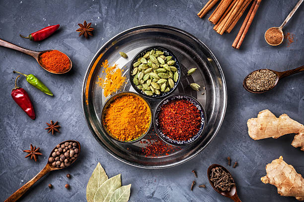 Various Spices on grunge background​​​ foto