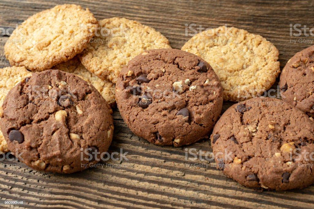 Verschiedene leckere Kekse Kekse auf hölzernen Hintergrund - Lizenzfrei Braun Stock-Foto