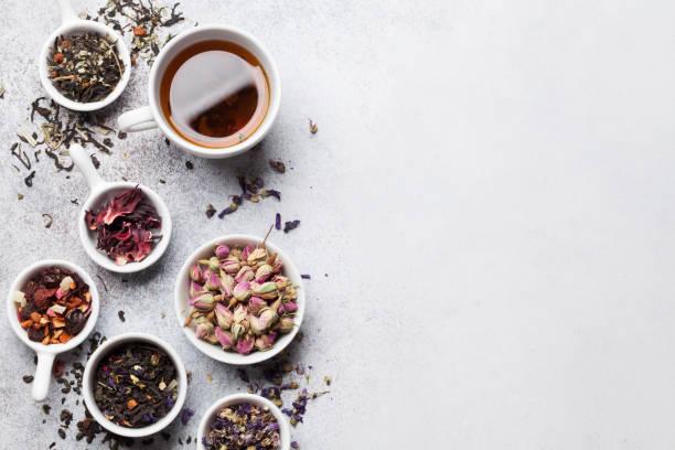 Verschiedene Tees. Schwarzer, grüner und roter Tee – Foto