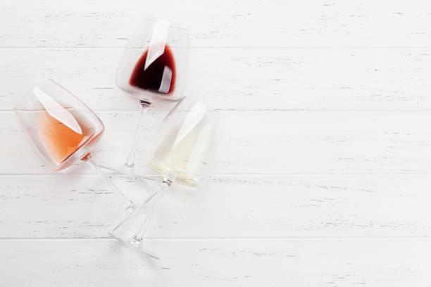 Verschiedene Weingläser – Foto