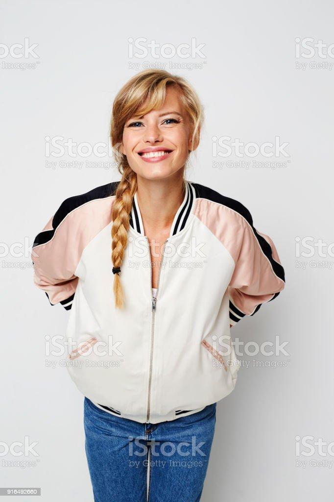 Varsity girl smiling – zdjęcie