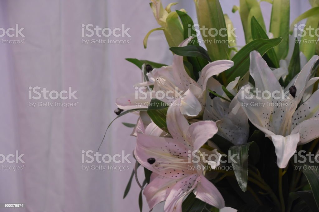 A vase with flowers at the wedding - Royalty-free Amor Foto de stock