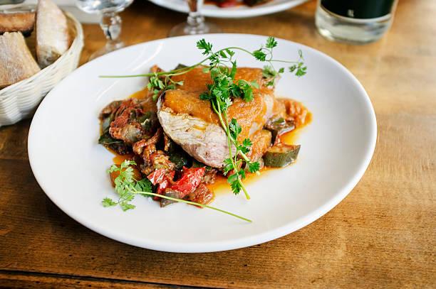 子牛のステーキ - フランス料理 ストックフォトと画像
