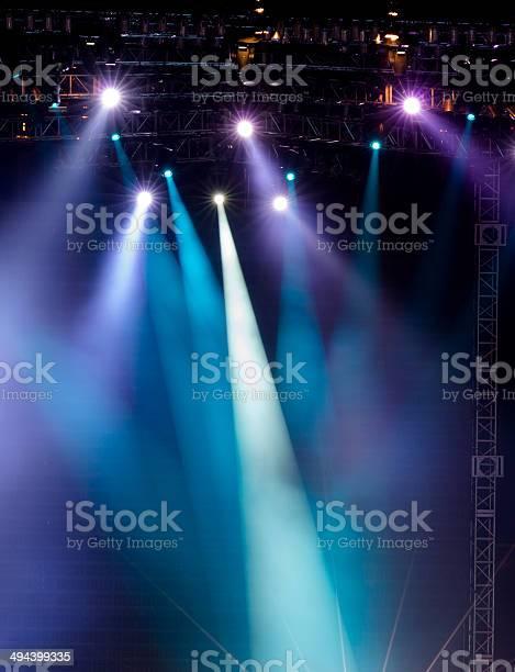 Vector stage spotlight with laser rays picture id494399335?b=1&k=6&m=494399335&s=612x612&h=izvp eskxbbsu30ym8btropv86wf1lfggikucbijmca=