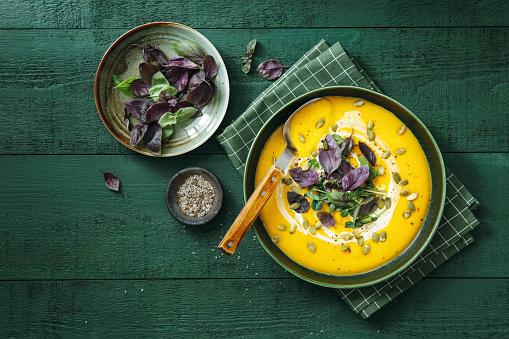 Vegan Creamy Roasted Pumpkin Soup