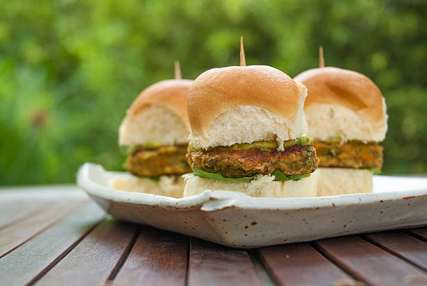 Vegan mini burger - foto de stock