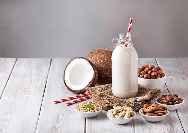 Vegane Mutter Milch aus der Flasche – Foto