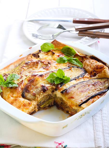 Vegetable lasagna in a baking tin picture id486610148?b=1&k=6&m=486610148&s=612x612&w=0&h=fn994cd mntkomxn1fl xu2eyixlyldbkw8xdoot1bc=