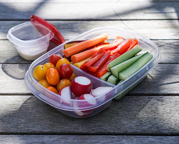 Fuente de vegetales, comida sana - foto de stock