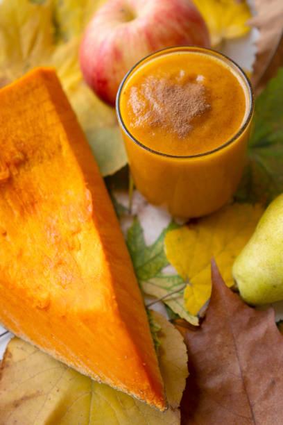 Gemüse-Kürn-Smoothie mit Zimt – Foto