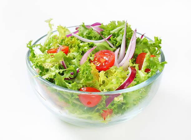 salade de légumes - saladier photos et images de collection