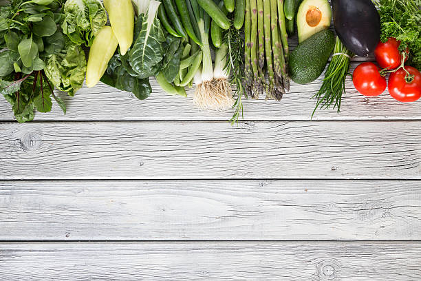 gemüse hintergrund - artischocken gesund stock-fotos und bilder