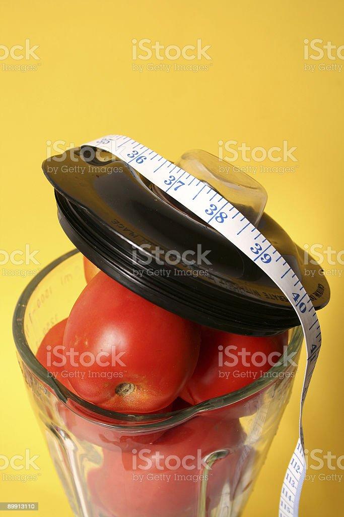 Verdure nel Frullatore elettrico foto stock royalty-free