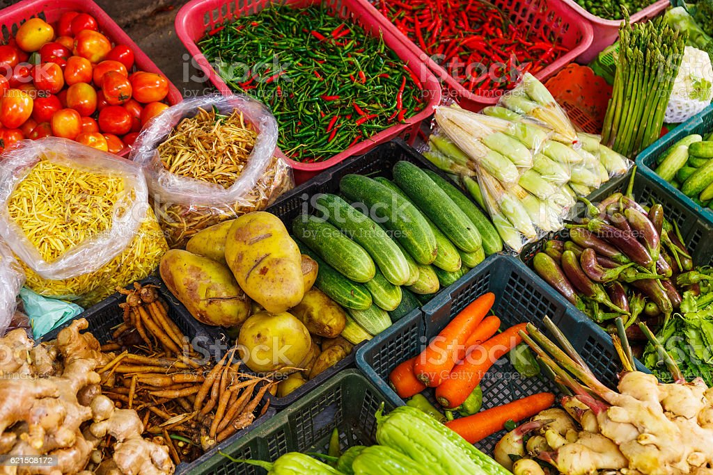 Vegetables on a market stall foto stock royalty-free