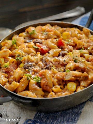 Vegetarian Chili and Macaroni
