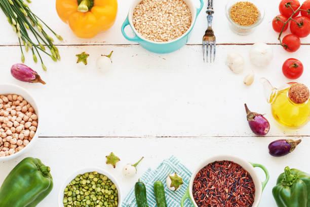 marco de comida vegetariana con espacio de copia. - arroz comida básica fotografías e imágenes de stock