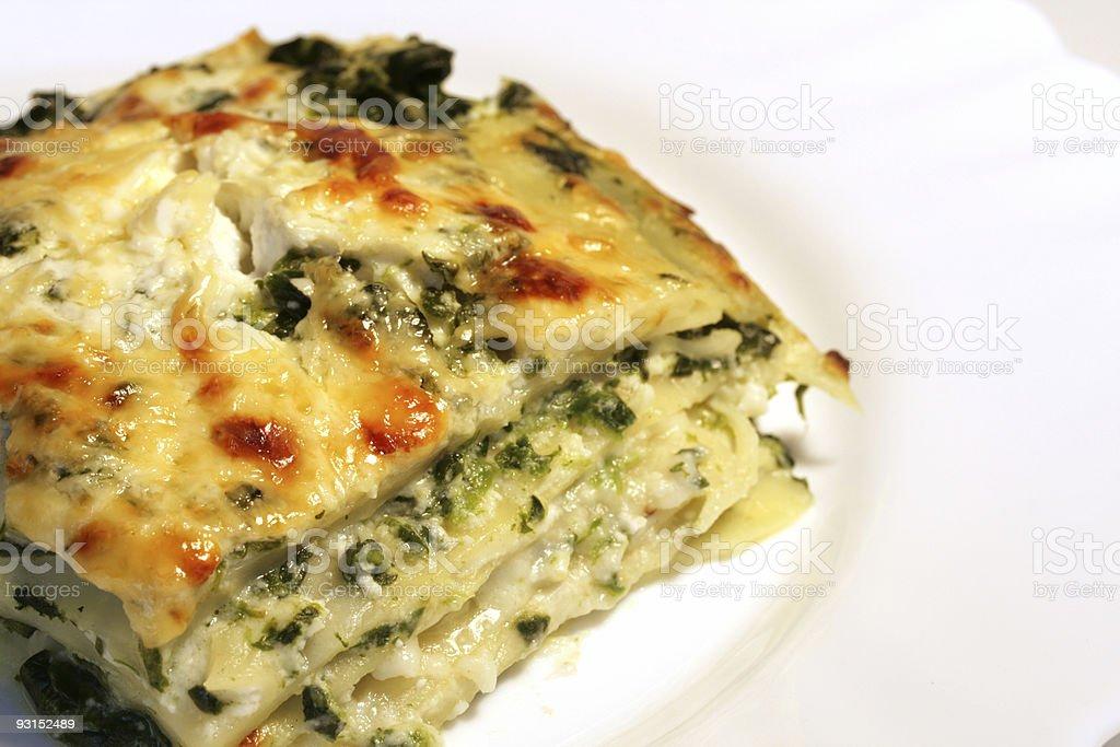 Vegetarische lasagne mit ricotta-Käse und Spinat-Füllung – Foto