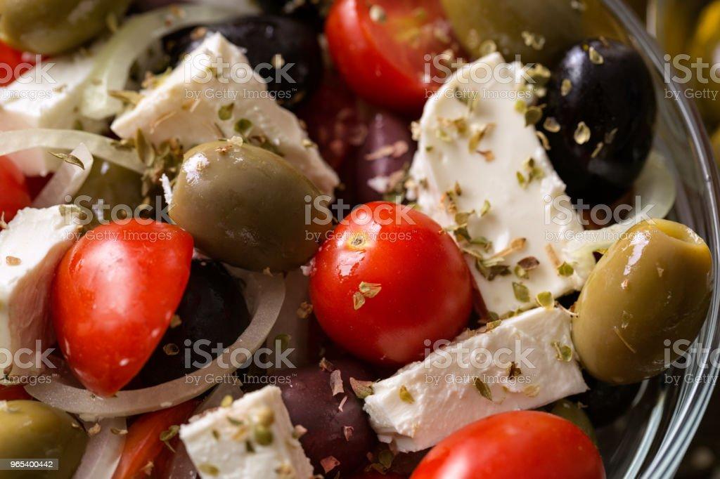 vegetarian salad with tomatoes, feta, olives and fresh vegetables zbiór zdjęć royalty-free