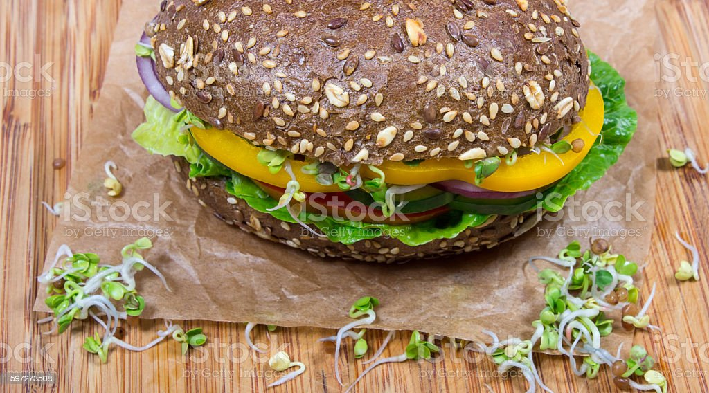 Vegetarische-sandwich mit frischem Gemüse. Lizenzfreies stock-foto