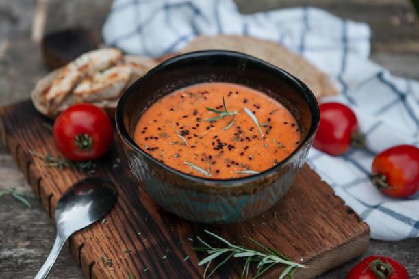 Vegetarische Tomatensuppe – Foto