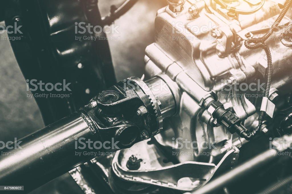 Fahrzeugachse Welle der Kraftübertragung zum Rad des LKW Auto – Foto